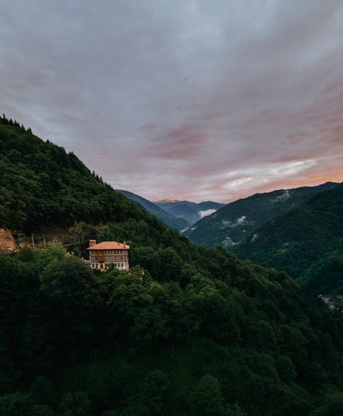 Gratis arkivbilde med daggry, dyster himmel, fjell