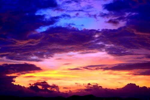 Gratis lagerfoto af aften, dramatisk, farve, himlen