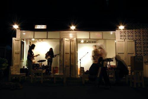 คลังภาพถ่ายฟรี ของ กลางคืน, ดนตรี, นักดนตรี, ประสิทธิภาพการทำงาน