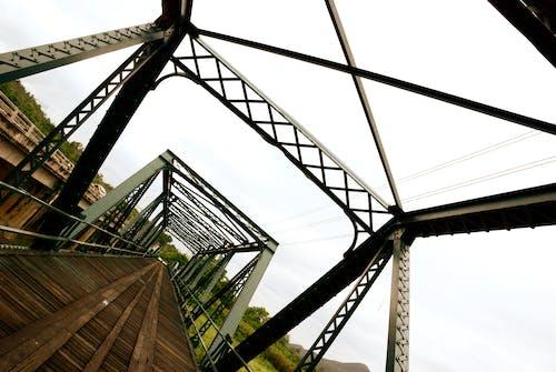 Gratis stockfoto met brug, staalconstructie