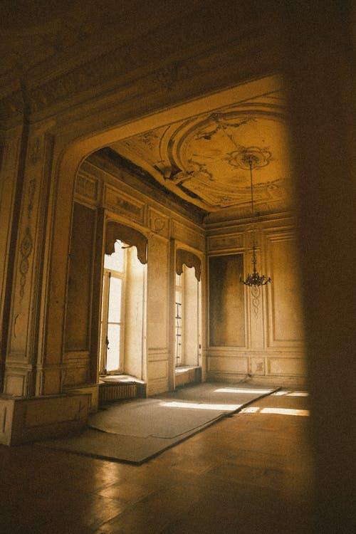 Бесплатное стоковое фото с архитектура, в помещении, дверной проем