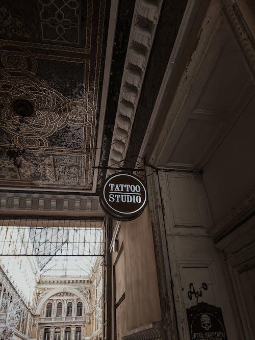 Fotobanka sbezplatnými fotkami na tému architektúra, brand_logo, budova