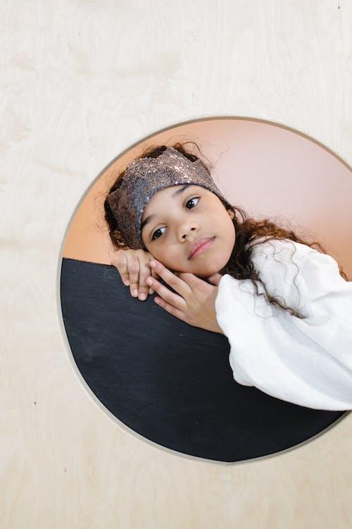 Gratis stockfoto met aanbiddelijk, jong meisje, kid