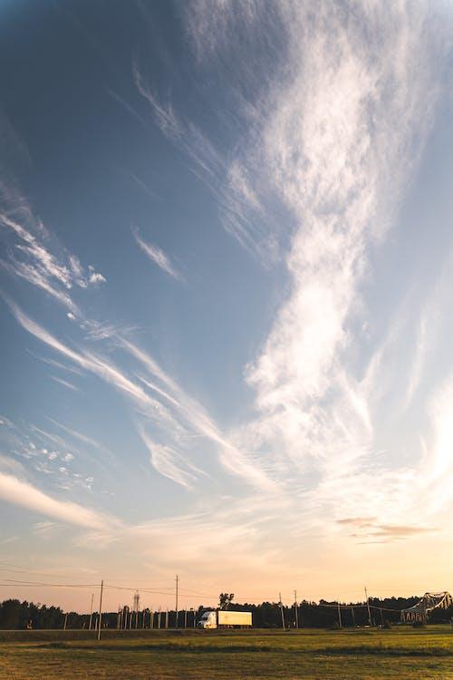 Kostenloses Stock Foto zu abend, außerorts, blaue himmel