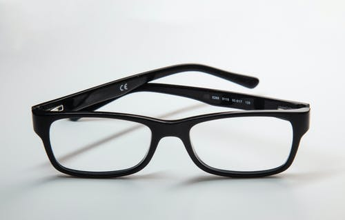 Základová fotografie zdarma na téma bílá, brýle, dioptrické brýle