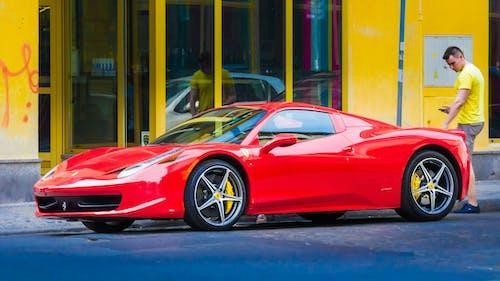 Δωρεάν στοκ φωτογραφιών με Ferrari, αγώνας αυτοκινήτων, αγώνας δρόμου, άνδρας