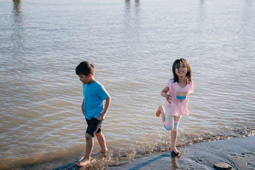 キッズ, ビーチ, フルショットの無料の写真素材