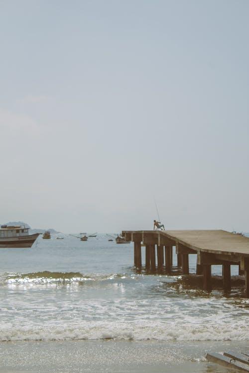 Gratis lagerfoto af alene, anløbsbro, båd
