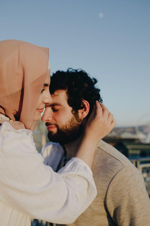 Gratis stockfoto met affectie, bruiloft, buiten