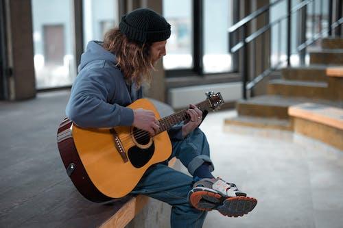 人, 休閒, 原聲吉他 的 免费素材图片