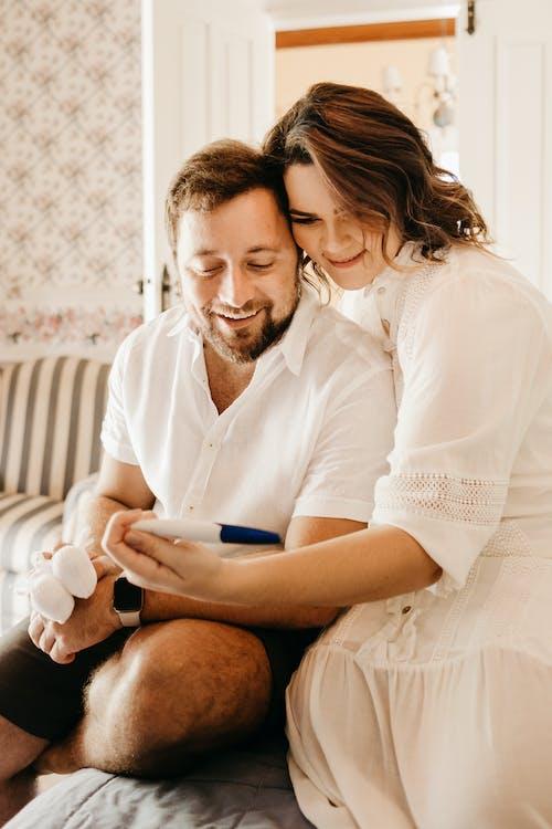 Ingyenes stockfotó anyaság, beltéri, család témában
