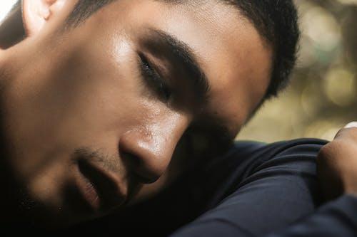Photos gratuites de dormir, homme, individu