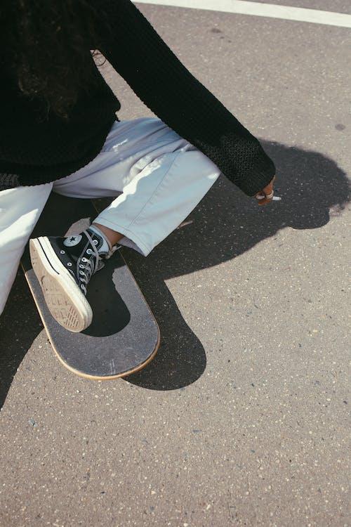 シガレット, スケーター, スケートボーダーの無料の写真素材
