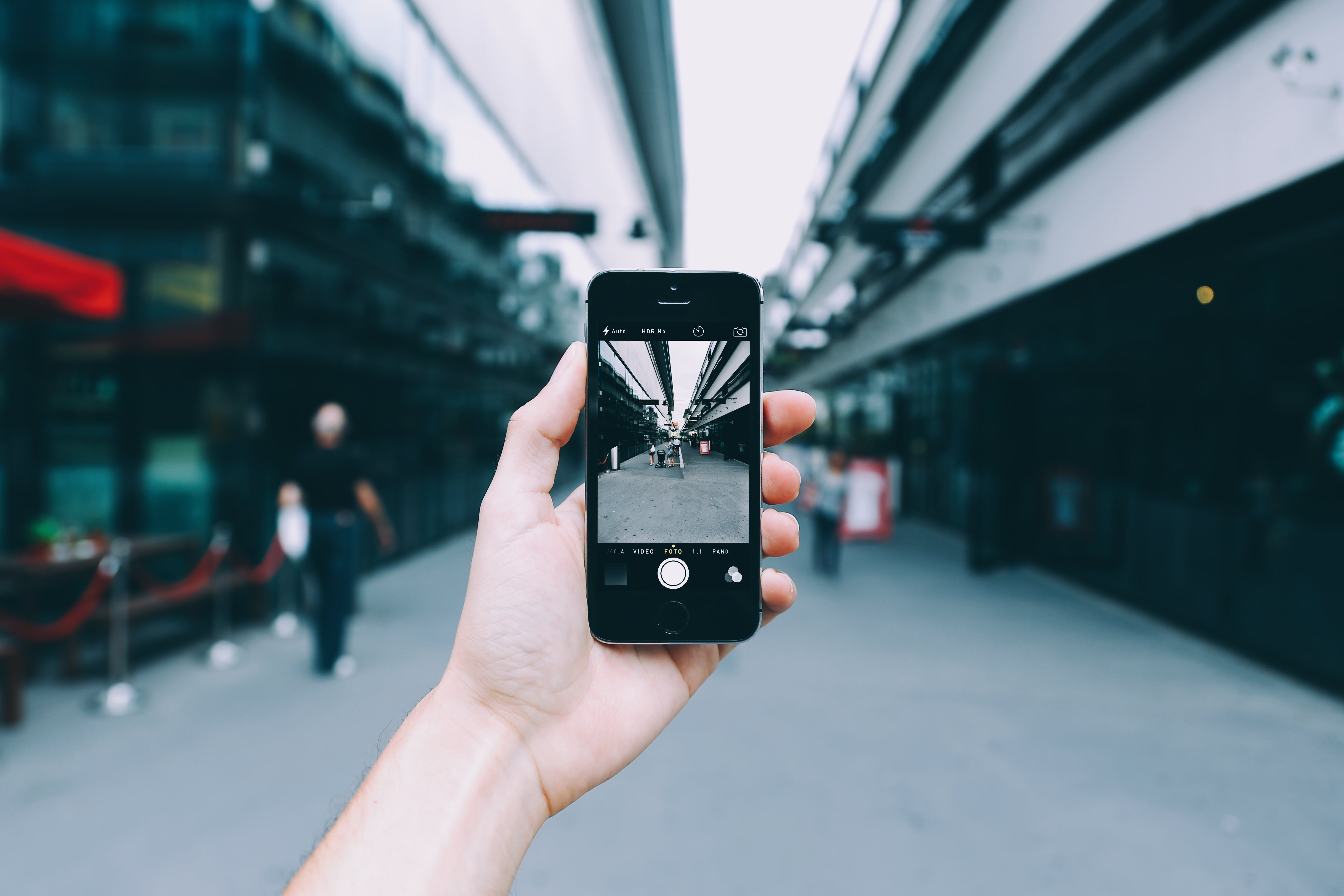 Kostenloses Stock Foto zu stadt, person, menschen, hand