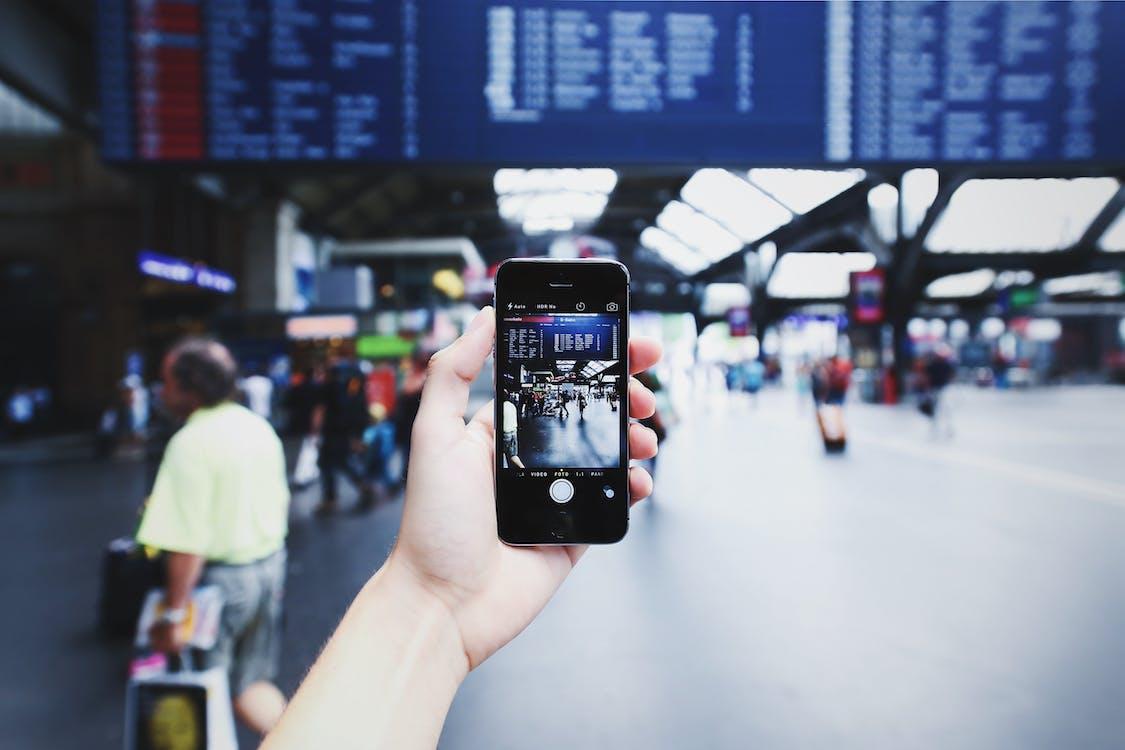 Signal, disruption, innovation