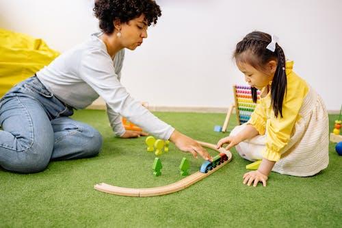 Foto stok gratis anak, anak prasekolah, bermain