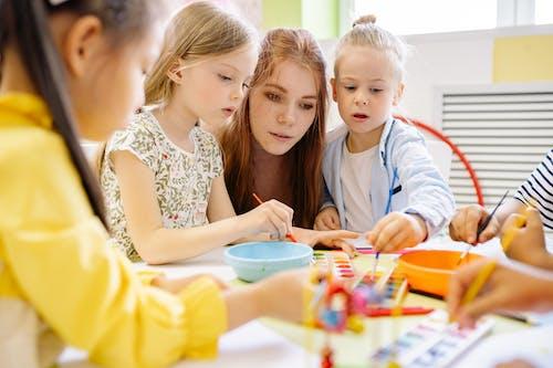 Ingyenes stockfotó aktivitás, általános iskola, beltéri témában