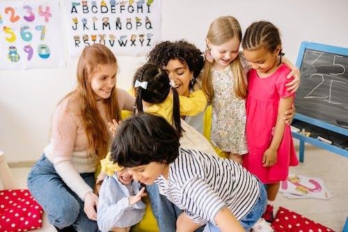 Foto stok gratis anak prasekolah, anak-anak, belajar
