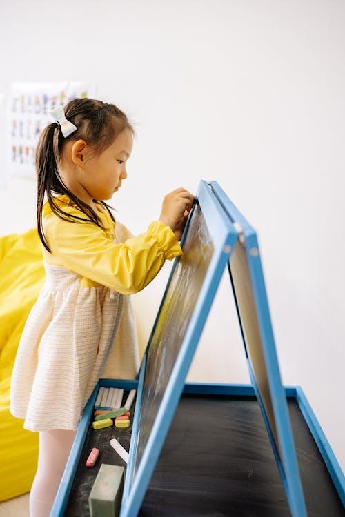 Darmowe zdjęcie z galerii z azjatycka dziewczyna, dziecko, dziewczyna