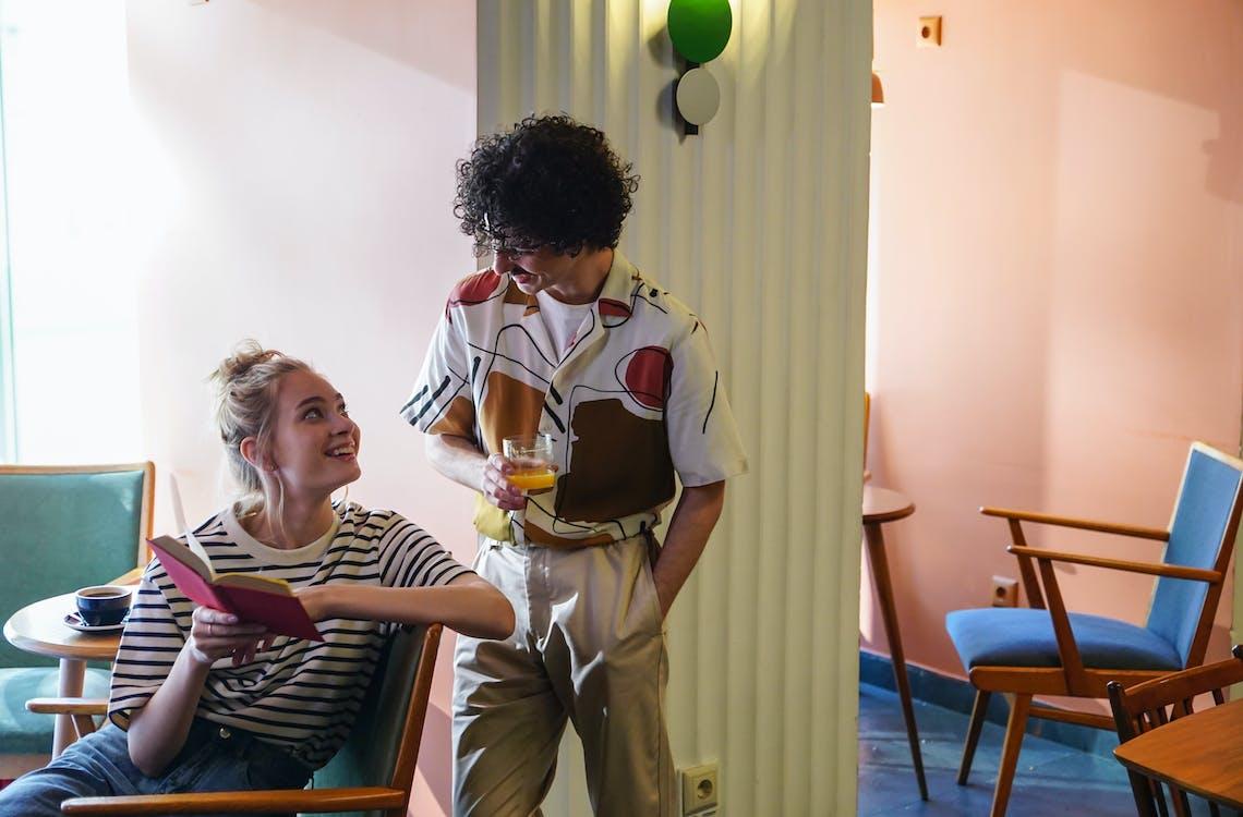 Darmowe zdjęcie z galerii z dorosły, dwie osoby, flirt