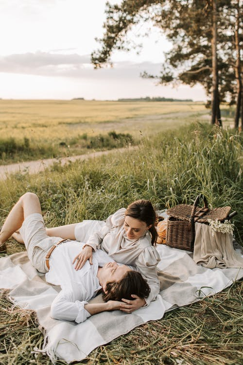 Foto d'estoc gratuïta de a l'aire lliure, adult, amor