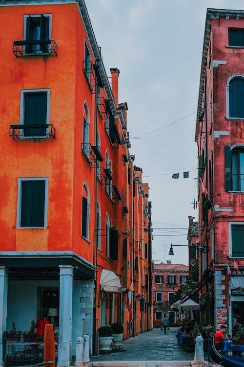 アパート, シティ, タウンの無料の写真素材
