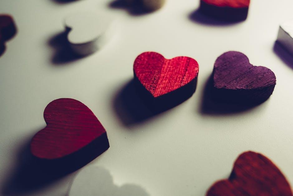 Red Heart Decor