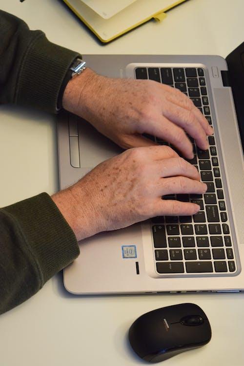 Fotos de stock gratuitas de diario, escribir a máquina, escritorio, hp
