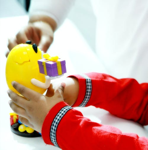 Безкоштовне стокове фото на тему «дитина, дитинство, дитячі іграшки, дитяча іграшка»
