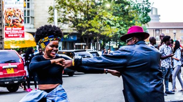 Kostenloses Stock Foto zu fashion, straße, afrika, schwarz