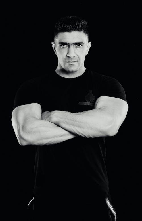 Бесплатное стоковое фото с портрет, черно-белый