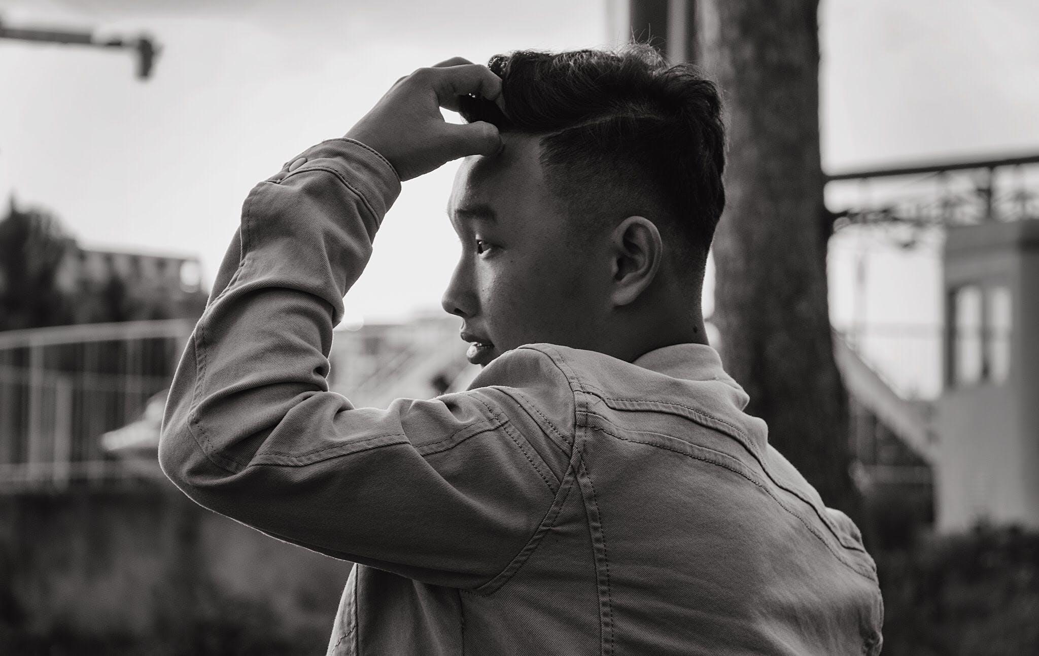 Kostenloses Stock Foto zu schwarz und weiß, fashion, mann, person