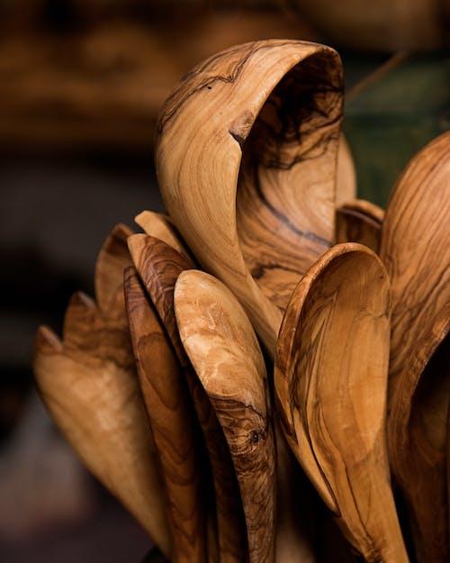 Ilmainen kuvapankkikuva tunnisteilla kauhan paljon, lusikat, oliivipuun lusikat, puinen