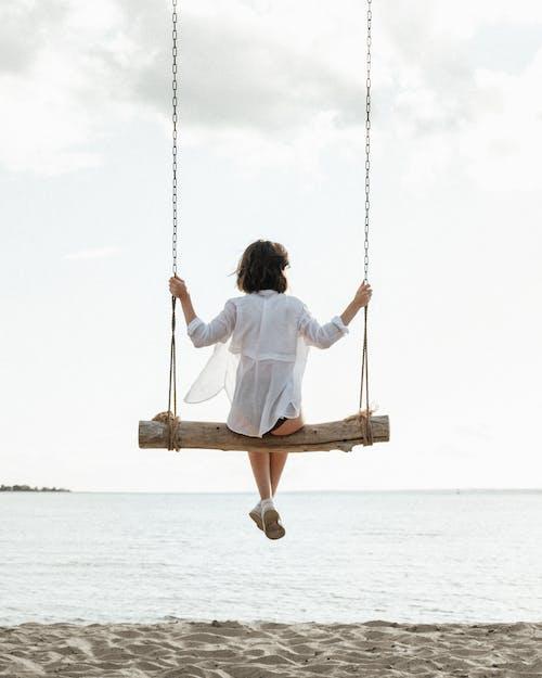 Безкоштовне стокове фото на тему «веселий, висіння, відпочинок»