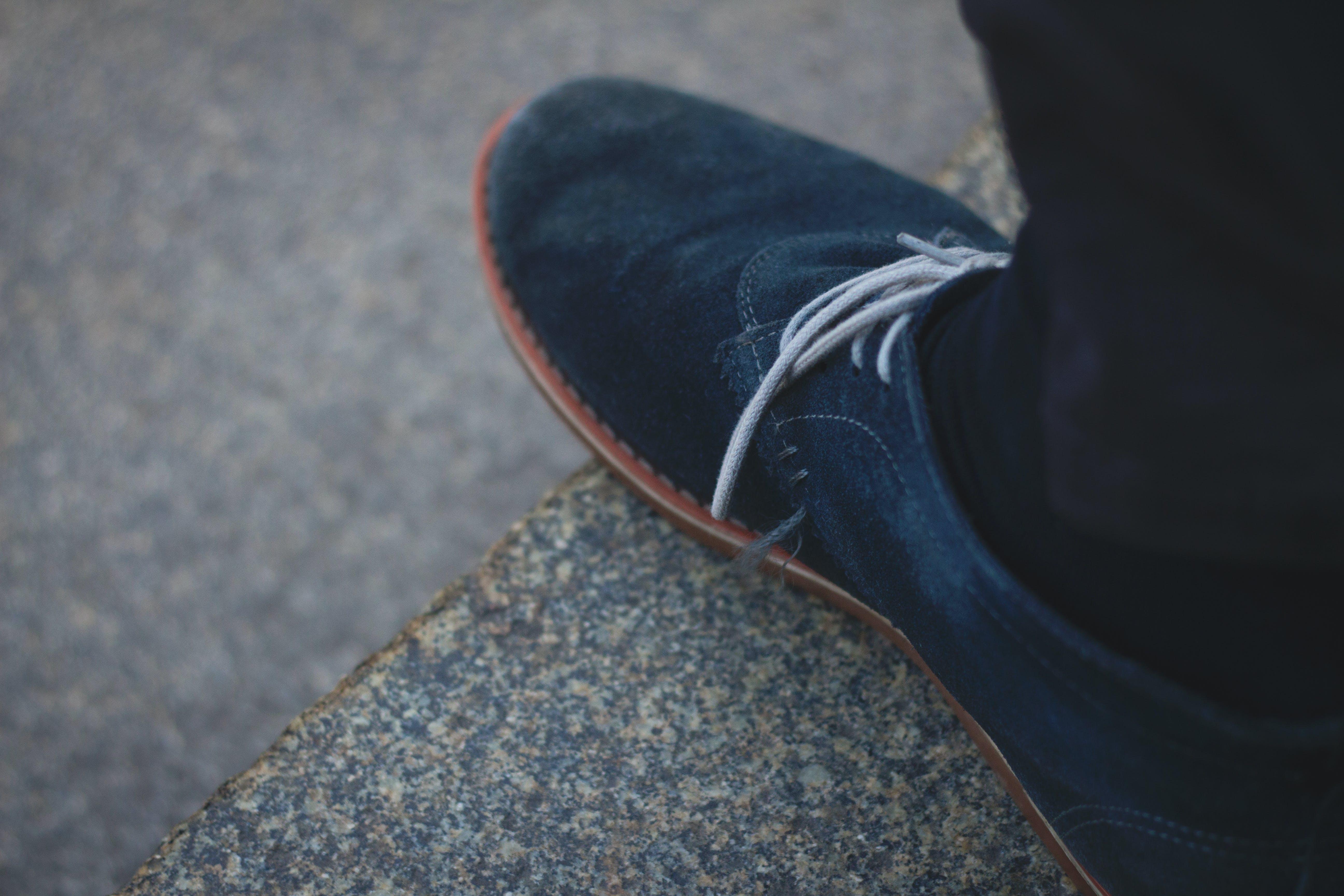 Δωρεάν στοκ φωτογραφιών με μπλε, παπούτσι, πέτρα