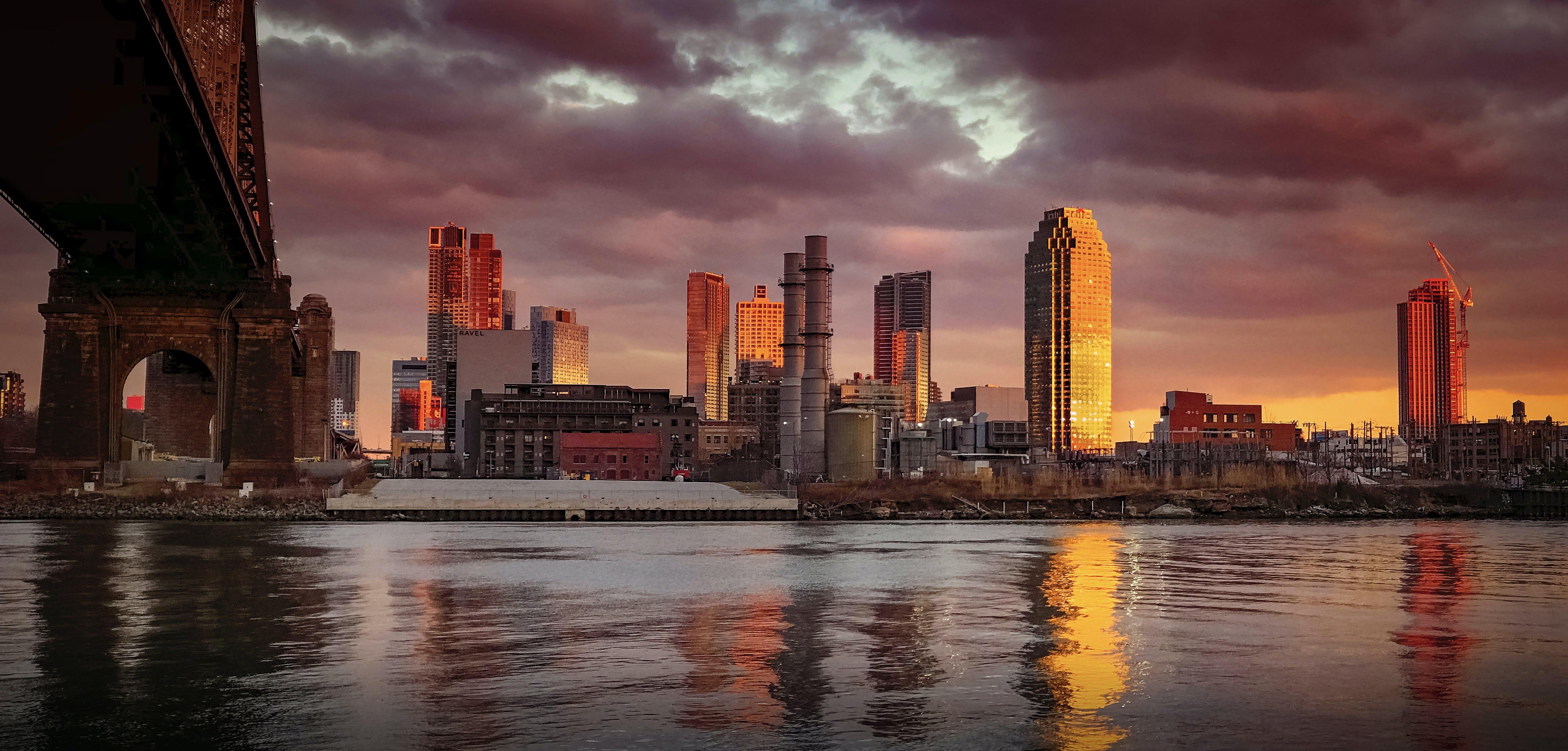 ウォーターフロント, シティ, スカイライン, タワーの無料の写真素材