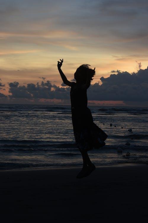 Foto profissional grátis de à beira-mar, alvorecer, amanhecer