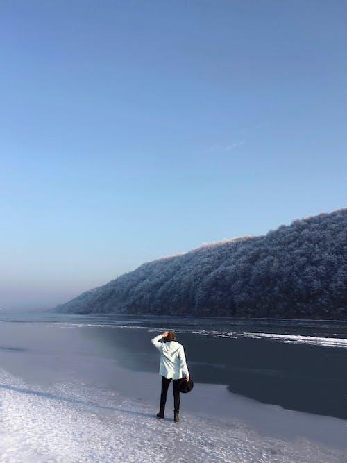 Gratis lagerfoto af ensomhed, landskab, outdoorchallenge, person