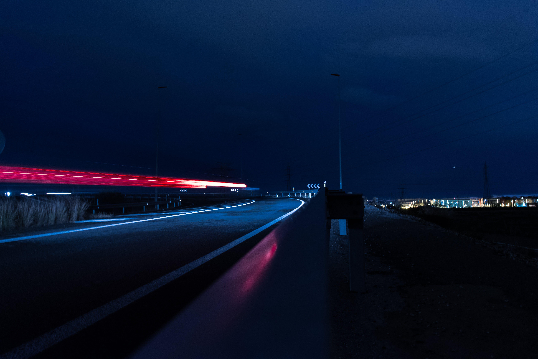 Kostnadsfri bild av #blå, #röd, #väg, billjus