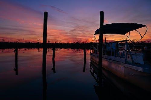 Foto profissional grátis de barco, crepúsculo, Nikon, pôr do sol