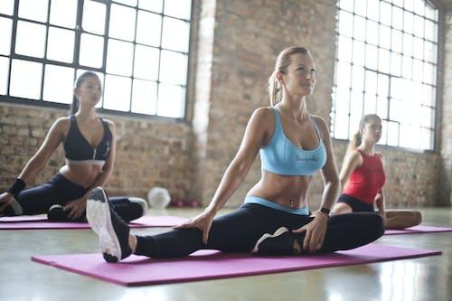 Gratis stockfoto met actief, bijpassen, binnenshuis, fitness