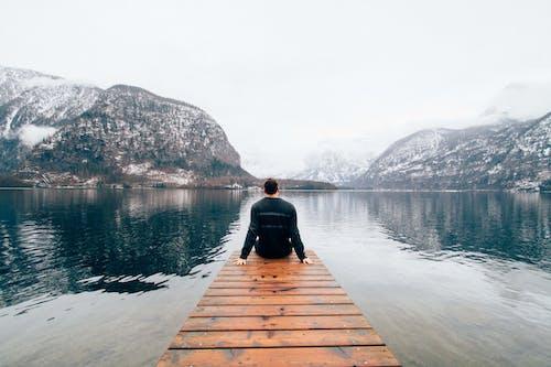 人, 冬季, 坐, 天性 的 免費圖庫相片