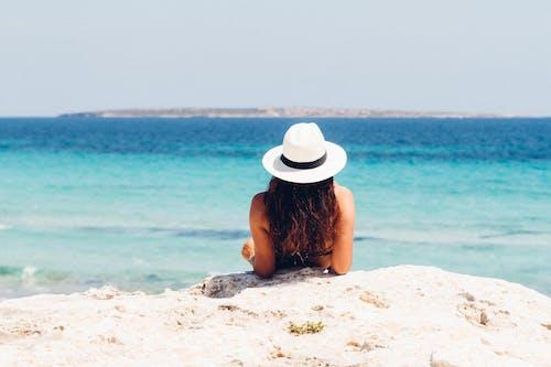 Kostnadsfri bild av avslappning, fritid, hatt, hav