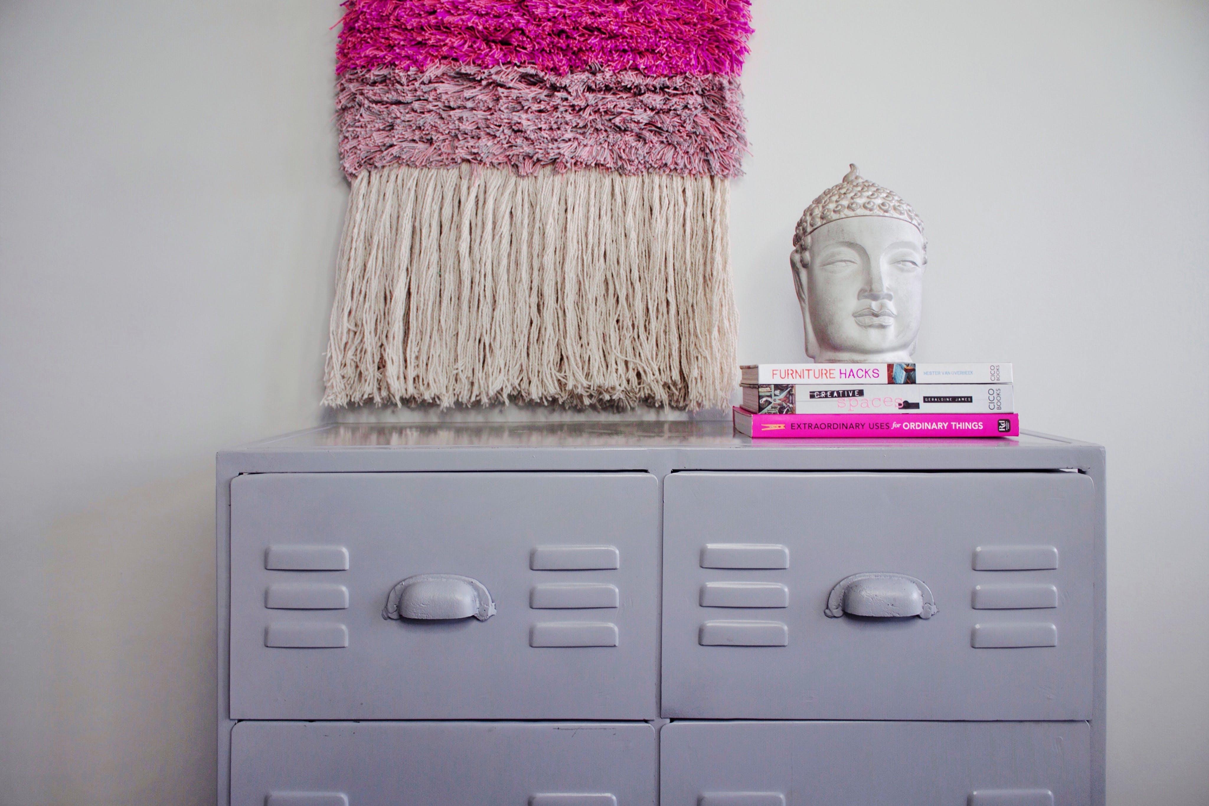 Kostenloses Stock Foto zu bücher, grau, zuhause, pink