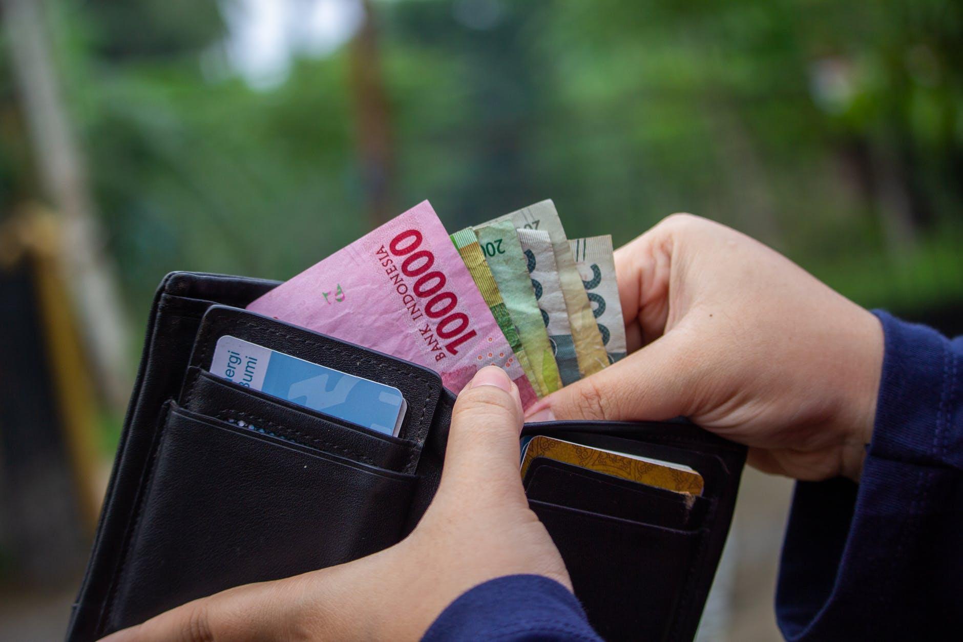 Kebutuhan mendesak teratasi melalui pinjaman online langsung cair.