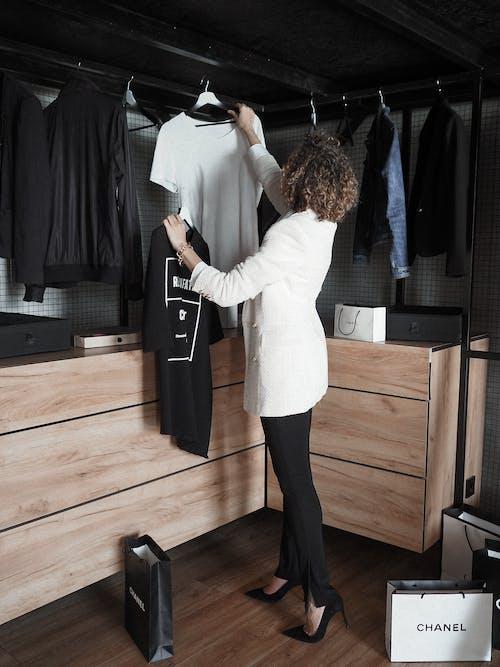 Kostnadsfri bild av bär, byxor, fixering