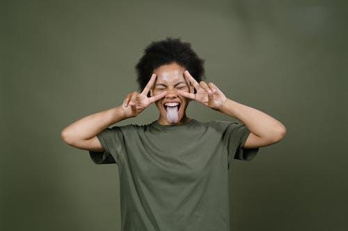 Gratis stockfoto met afro haar, blij, conceptueel