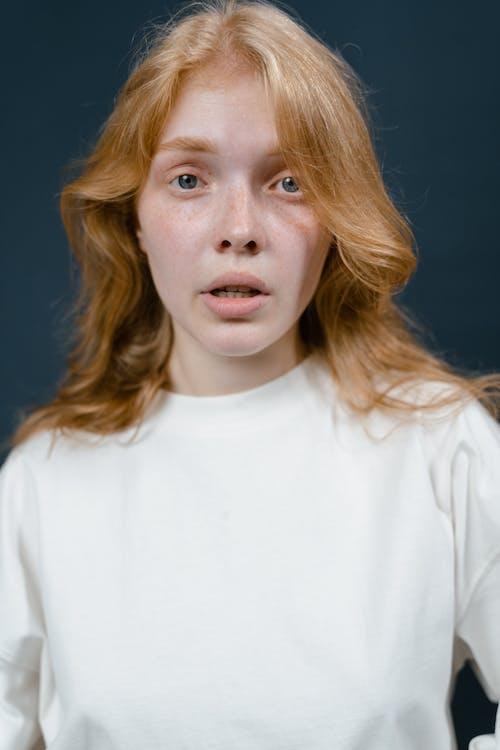 Darmowe zdjęcie z galerii z dorosły, dziewczyna, emocja