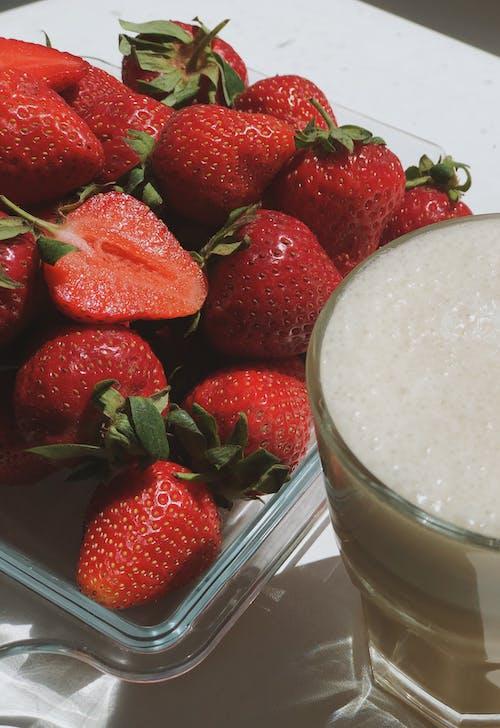 Kostenloses Stock Foto zu cremig, erdbeeren, essen