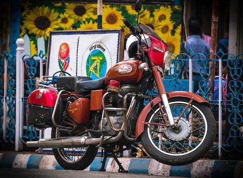 Kostenloses Stock Foto zu indien, motorrad, vintage, vintage fahrrad